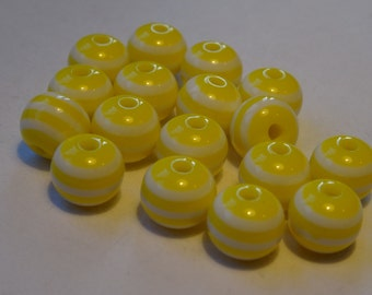 200 Yellow Striped Resin Beads 8mm