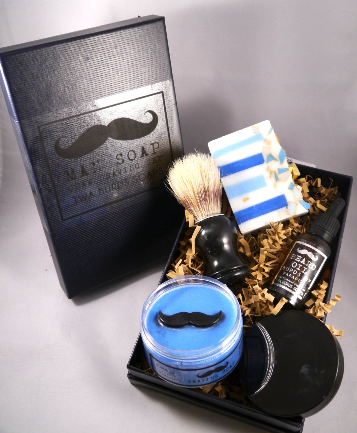 vegan beard grooming kit 3 vegan friendly male valentines grooming gifts the beard grooming. Black Bedroom Furniture Sets. Home Design Ideas