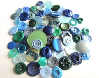Cottage Chic vintage buttons. Shades of blue, navy, and green. Lot 62 (2083)