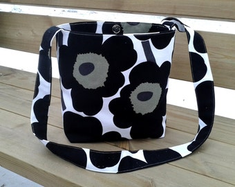 Cross body bag made from Marimekko fabric, messenger bag, canvas bag, magnetic closure, Scandinavian design, Black Unikko