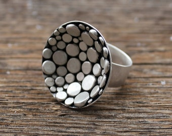 Pebbled Nest Ring
