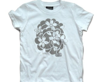 Under My Skin • Blossoms • tee shirt