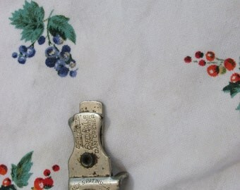 Can Opener - Vaughn -  Kitchenware - Vintage
