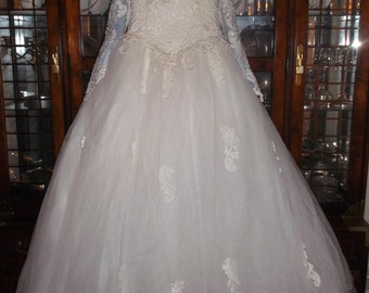 Exquisite (White) Princess Wedding Gown (OFF THE SHOULDER) With Detachable Train