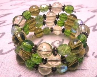 Green Wrap Bracelet, Green Memory Wire Bracelet, Beaded Wrap Bracelet, Brass Bracelet, Green Coil Bracelet, Olive Wrap Bracelet, Glass Beads