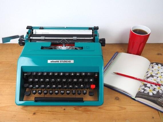 vintage machine crire olivetti studio 45 en tat vintage. Black Bedroom Furniture Sets. Home Design Ideas