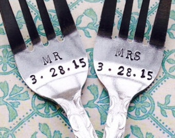 MR and MRS/date customized wedding forks - new forks – wedding cake fork, wedding gift, engagement gift, bridal shower gift