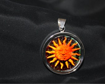 Pendant Sunhologram, Holofilmseries from Royal-Holographic.ca.