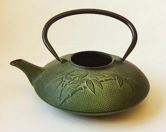 Vintage Green Cast Iron Teapot / Cast Iron Kettle / Green Teapot / Teapot / Vintage Tea Kettle /