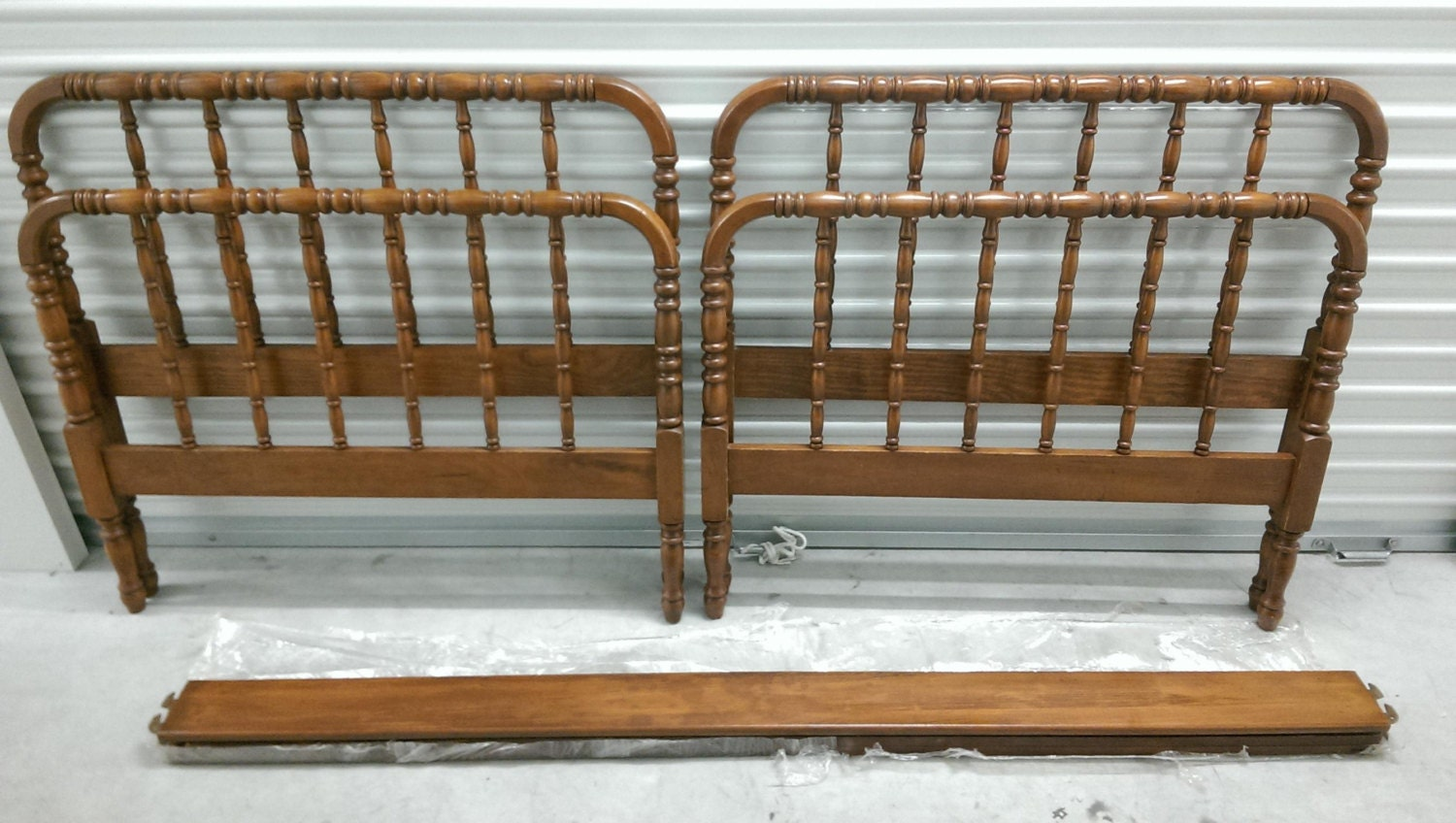 Rare Matching Jenny Lind Twin Beds
