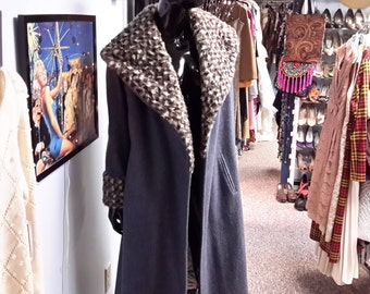 FREE SHIPPING! vintage 1960 swing coat in gray with faux leopard collar and cuffs. for women