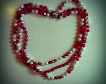 3-wire beaded necklace red and white 60s