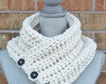 The 'Wanda' Cowl, Chunky Crochet Winter cowl, Cream