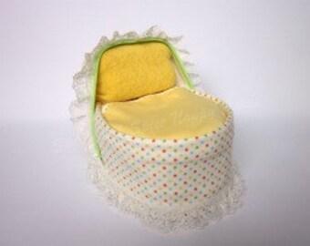 Neutral/Yellow Nappy Cake Crib
