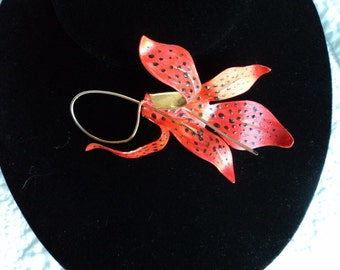 Big, Great Unique Goldtone Freeform Tiger Lily Flower Painted Brooch with Wire Stem and Pistils