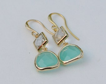 Crystal glass and mint aqua gold dangle earrings on french wires. Bridal earrings. Bridesmaids earrings. Wedding earrings. Bridal jewelry.