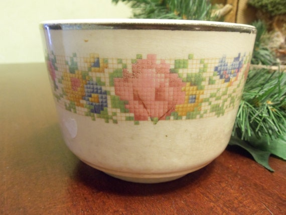 harker porcelain petit point rose mixing bowl 5 inches. Black Bedroom Furniture Sets. Home Design Ideas