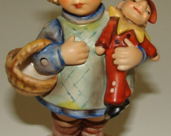 Hummel Figurine What Now ? (CE) #422