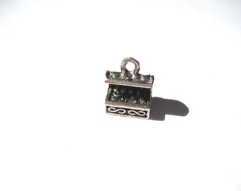 Treasure Chest Charm 3d Charms Jewelry Supplies, Antique Silver Treasure Chest, Pirate Treasure Charms , Small Lot, Craft Supplies