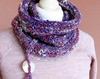 Handknit Cowl.Art yarn Cowl.Selbstgesponnenes effect yarn.