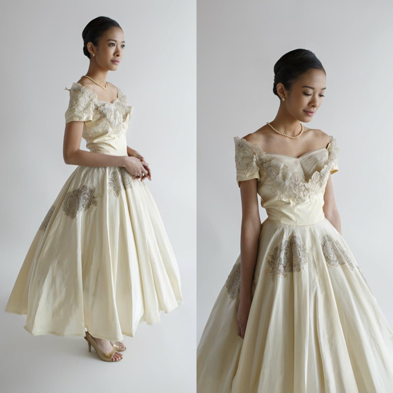 1950s Wedding Dress Tea Length / Vintage Cahill Wedding Dress