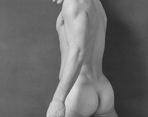 Male nude kneeling in black and white BGANT0119BW