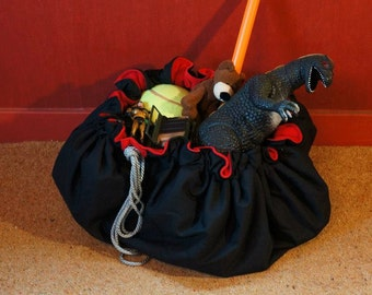 Black and Red Drawstring Toy Sack/Playmat