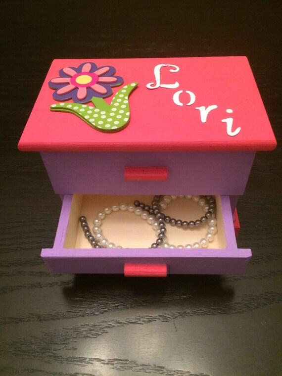 cadeau de no l de filles rose personnalis bijoux bo te avec. Black Bedroom Furniture Sets. Home Design Ideas