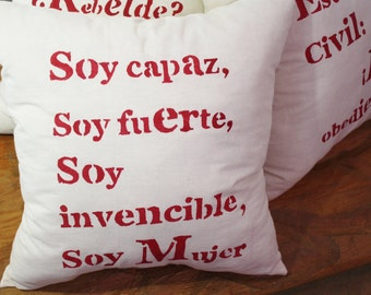 Say it with equity: Pillows with something to say (in Spanish)