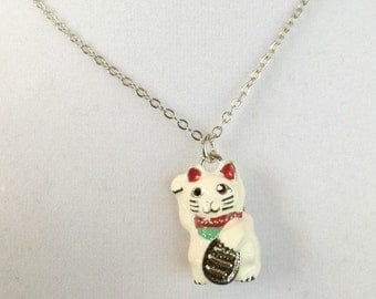 Lucky Cat Charm Pendant Necklace