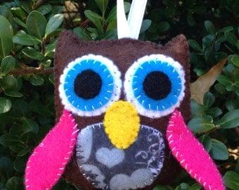 Felt Owl with Hearts Christmas Ornament