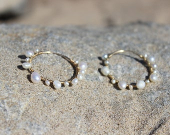 Pearly wrapped hoops  E-036