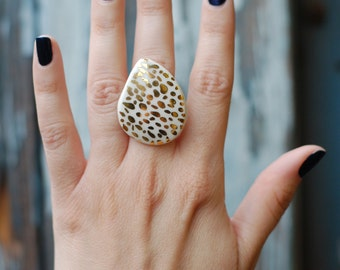 Large Ceramic Ring - Gold and White Spotted Ring - Ceramics and Pottery - Jewelry - Modern Jewelry - Modern Ceramics