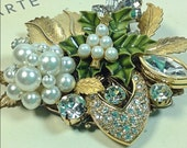 Winter holiday Christmas tree pearl vintage collage brooch