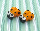 2pcs Ladybug Beads Handmade Lampwork Glass Bead Ladybird Yellow Beetle Google Eyes Luck Love Bug Charm Bracelets Premium Party SRA A