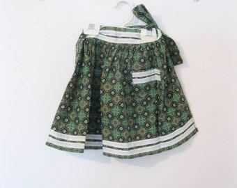 Childs Apron, Little Apron, Size 4 to 6, Paisley Print, Green, by enfantjoli on etsy