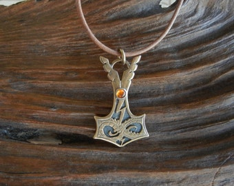 Jörmungandr Style Bronze Thor's Hammer Pendant with Amber