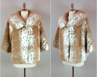 Vintage 80's faux fur jacket / snowy leopard print faux fur coat / 3/4 length cropped swing coat
