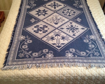 SALE PRICE / Vintage Woven  Fringed Throw / MWW 1992-lll