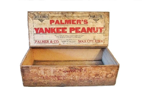 Wooden 1930s grocery store display box palmers yankee peanut for Craft stores in sioux city iowa