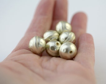 Vintage Etched Gold Saucer Round Vintage Lucite Beads 14mm (6)