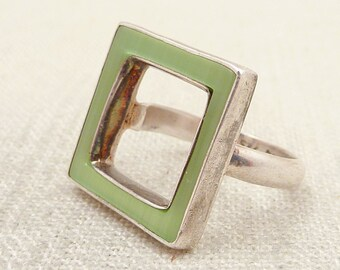 SALE ---- Size 7.25 Vintage Green Enameled Sterling Square Cutout Geometric Ring