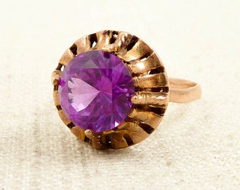 Size 7.5 Antique 14K Gold Synthetic Purple Sapphire Ring