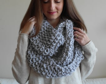 THE BEECH cowl / chunky knit warm knitted scarf / GREY / wool blend