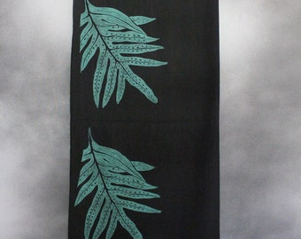 Shawl, Black, with Block-Printed Green Lauaʻe (Hawaiian Fern) Leaves