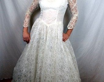 Vintage 1950s Lace Wedding Dress Gown