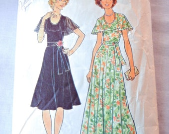 Cape Collar Dress Pattern in Flare or Maxi Lengths, 70s Partry Prom Dress Sewing Pattern, Simplicity 7382 Size 12, Bust 34