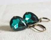 Emerald Glass Earrings, Vintage Style Earrings, Emerald Teardrop Earrings, Antiqued Brass, Dangle Earrings, Emerald Bridesmaid Jewelry