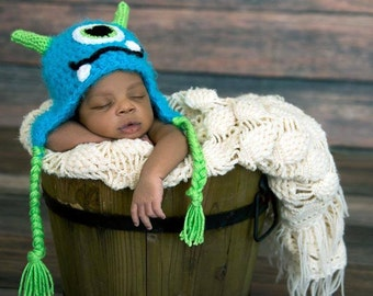 Blue Fuzzy Monster Hat/ Baby Monster Hat/ Blue Monster Hat/ Newborn Baby Monster Hat, Blue Newborn Photo Prop, One Eye Monster Hat