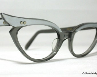 Vintage 60s Winged Cat Eye Glasses. Beautiful French Cat Eyes in Silver and Gray